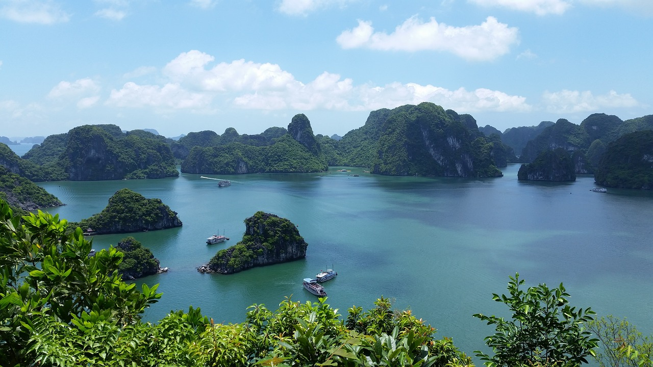 Ha long bay most beautiful places in the world to visit