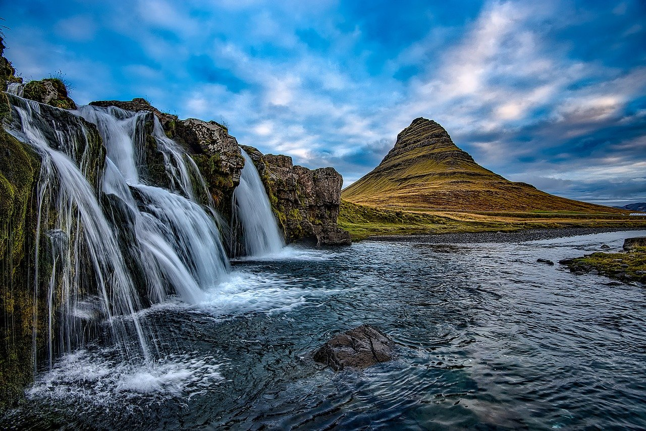 kirkjufell most beautiful mountains in the world