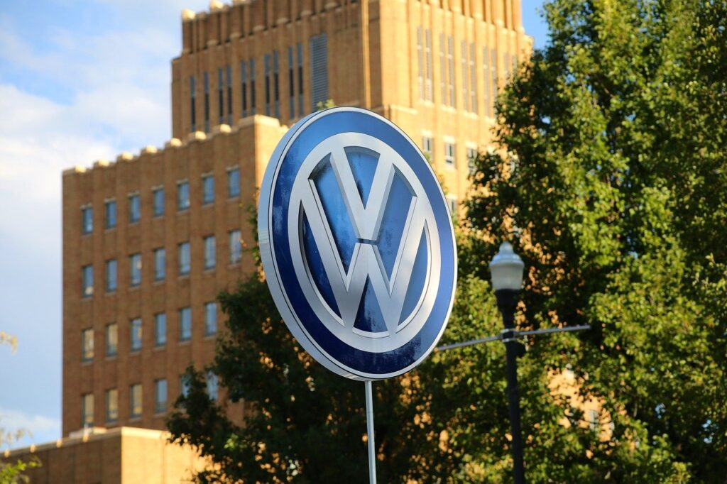 what is the biggest company in the world 2021 Volkswagen Group