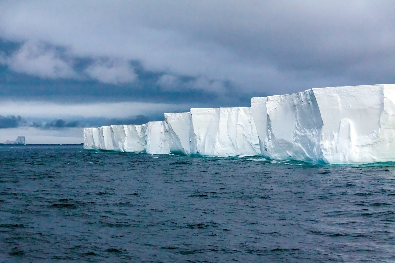 which is the largest continent in the world Antarctica