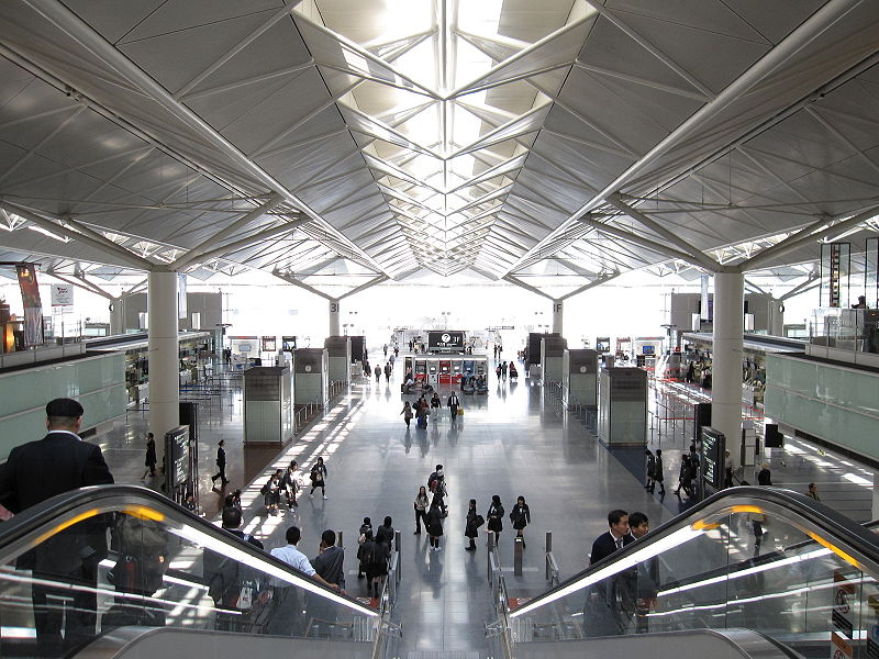 top 10 cleanest airports in the world 2021